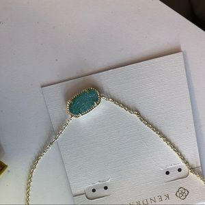 never worn Kendra Scott necklace